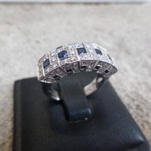 White gold modern sapphire diamond ring