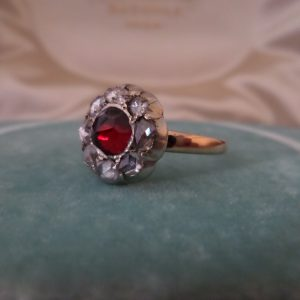 Antique diamond gold ring